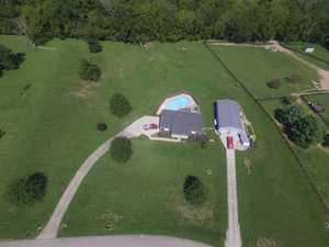 34 Indian Springs Trace Shelbyville, KY 40065