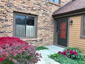 1328 Fairfax Ln Buffalo Grove, IL 60089