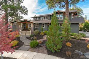 2215 Clearwater Drive Bend, OR 97703