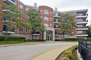 451 Town Place Circle #401 Buffalo Grove, IL 60089