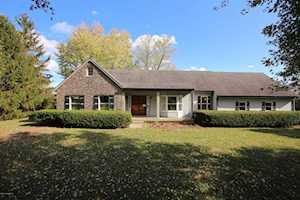 8815 Cedar Creek Rd Louisville, KY 40291