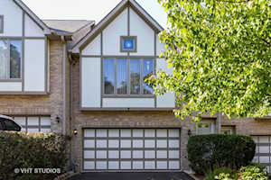 25 Cliffside Circle Dr Willow Springs, IL 60480
