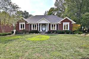 9502 Holiday Dr Louisville, KY 40272