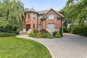 2360 Oak Tree Ln Park Ridge, IL 60068