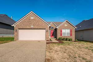 9847 Collier Ln Louisville, KY 40291
