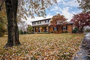 1516 Glenbrook Park Road Jeffersonville, IN 47130