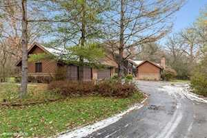 6 Wooded Ln Hawthorn Woods, IL 60047