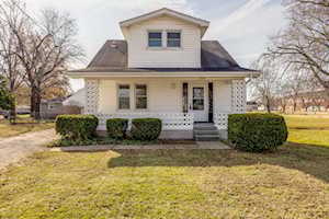 3204 S Crums Ln Louisville, KY 40216
