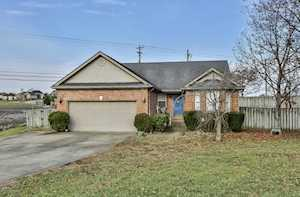 34 North Country Dr Shelbyville, KY 40065