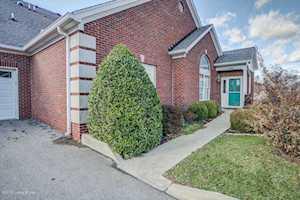4500 Ivy Crest Cir Louisville, KY 40241