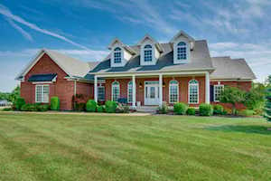 34 St James Ct Fisherville, KY 40023
