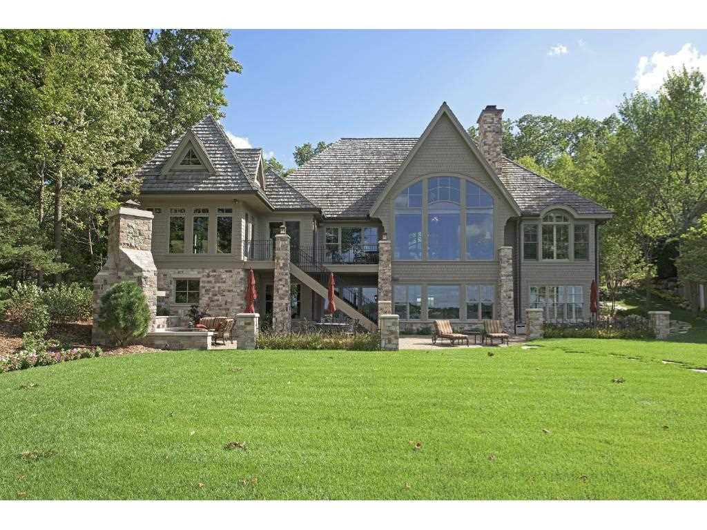 Tonka bay hennepin county mls 4784978 4776 manitou road for Front door hennepin county