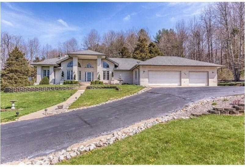 615 Deerfield Drive Martinsville, IN 46151 | MLS 21476523 Photo 1