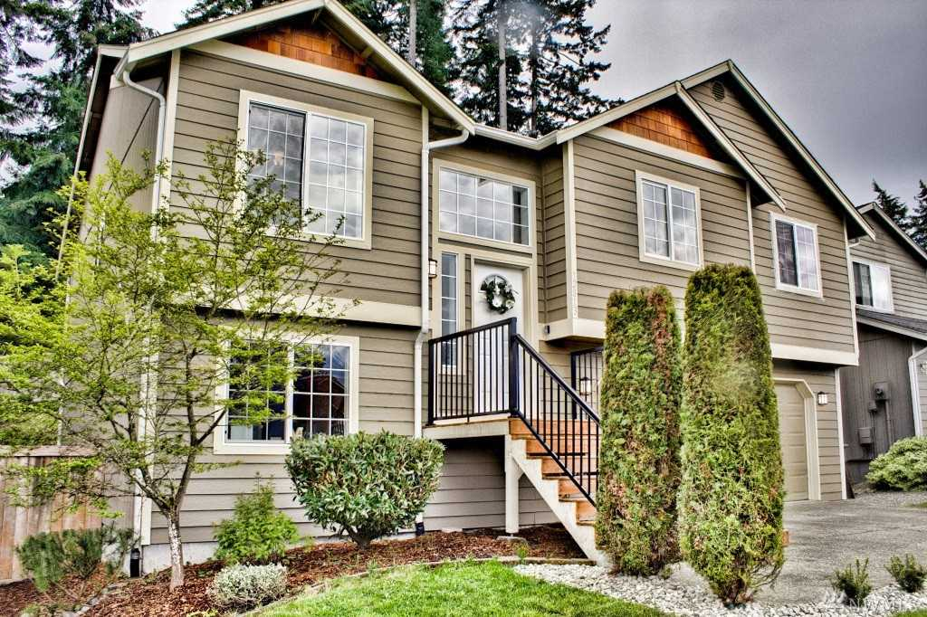 12813 121st ave e puyallup 98374 mls 1115517 for Custom home builders puyallup wa
