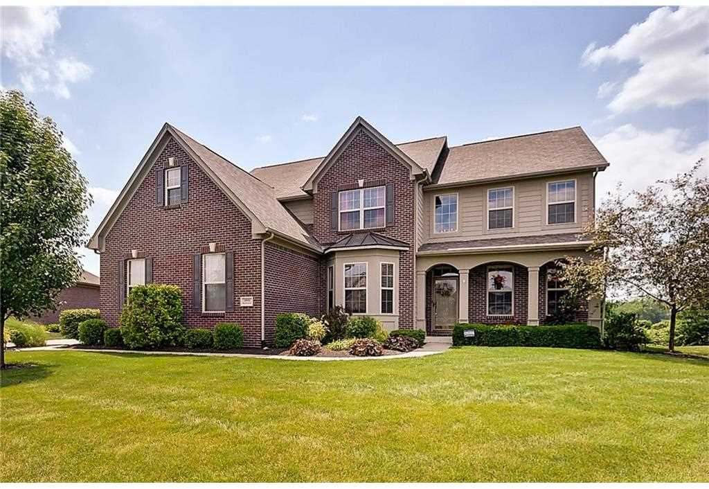1998 Woodfield Drive Greenwood, IN 46143 | MLS 21491533 Photo 1