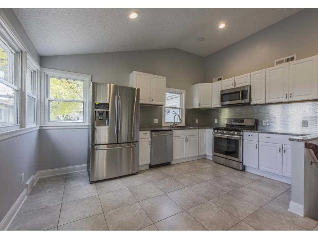 Armatage minneapolis hennepin county mls 4842908 for Front door hennepin county