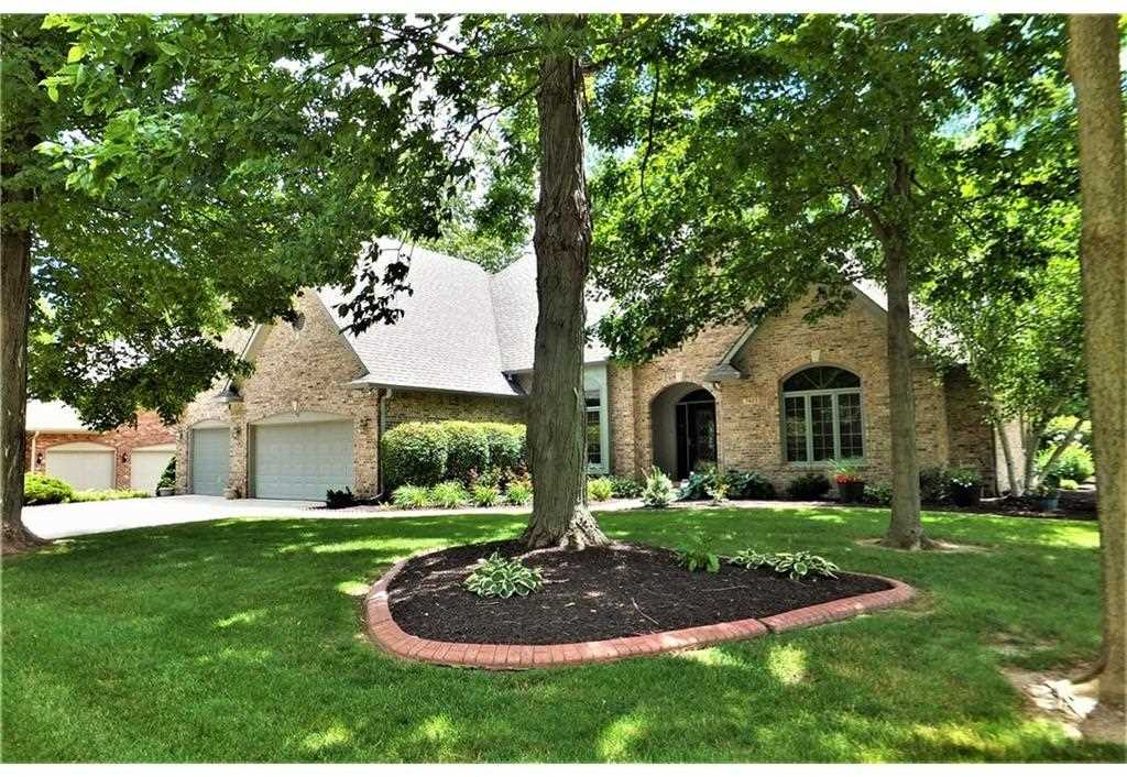 7407 Yorkshire Boulevard N Indianapolis, IN 46229 | MLS 21494509 Photo 1