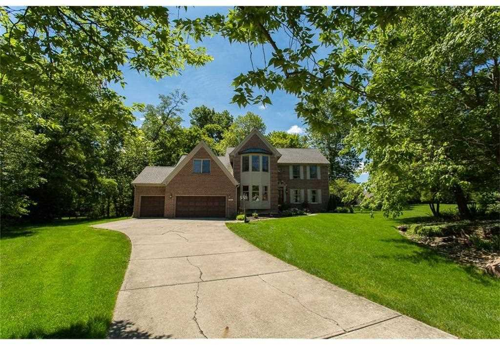 8261 Twin Pointe Circle Indianapolis, IN 46236 | MLS 21495245 Photo 1