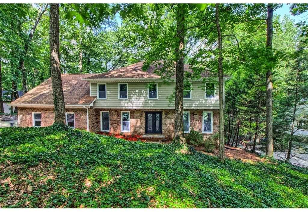 9425 Martin Rd, Roswell, GA 30076 - Premier Atlanta Real Estate Photo 1