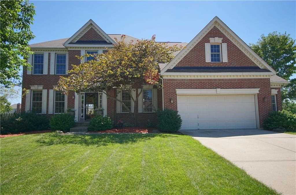 8813 Weather Stone Crossing Zionsville, IN 46077   MLS 21502714 Photo 1