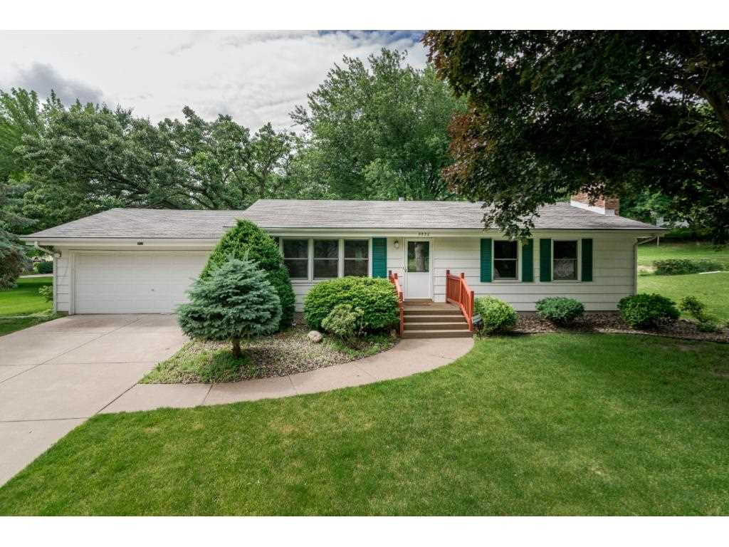 Bloomington hennepin county mls 4845715 9926 little for Front door hennepin county