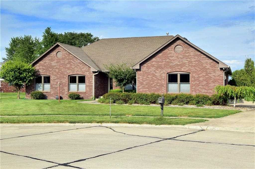 2790 Tammy Sue Drive Shelbyville, IN 46176 | MLS 21506320 Photo 1
