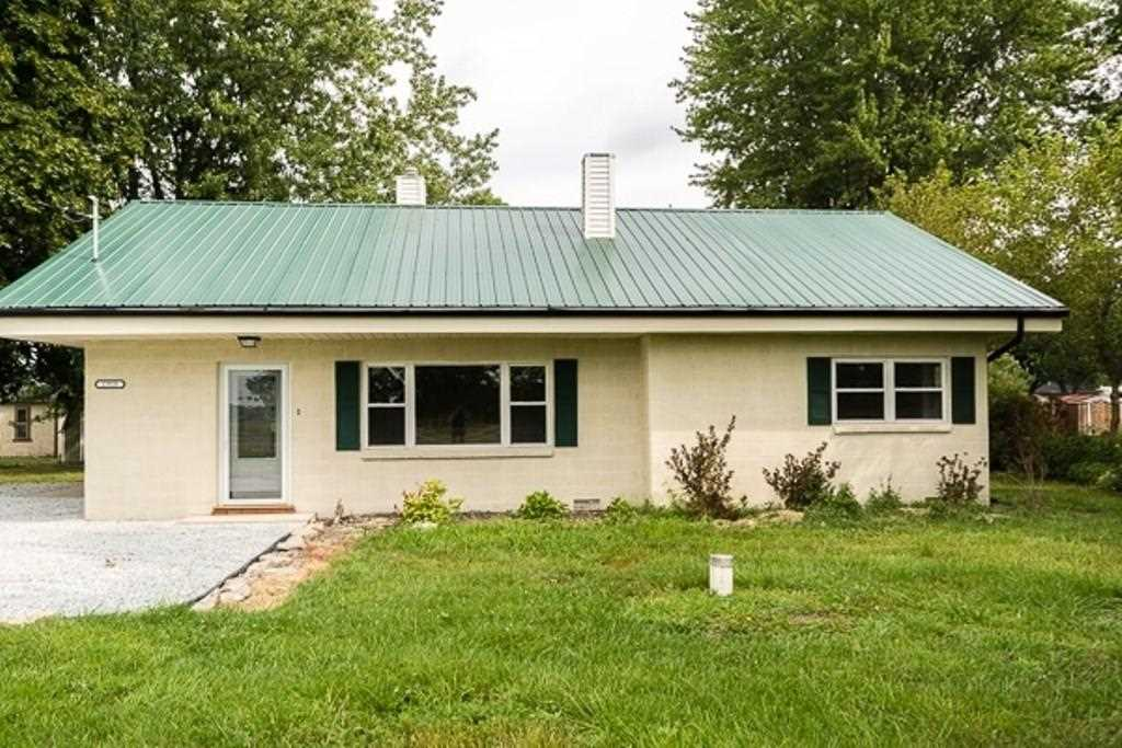 2918 E State Road 236 Anderson, IN 46017 | MLS 21507866 Photo 1