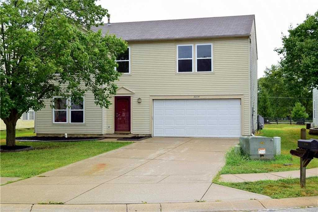 2254 Edgewater Circle Plainfield, IN 46168 | MLS 21505332 Photo 1