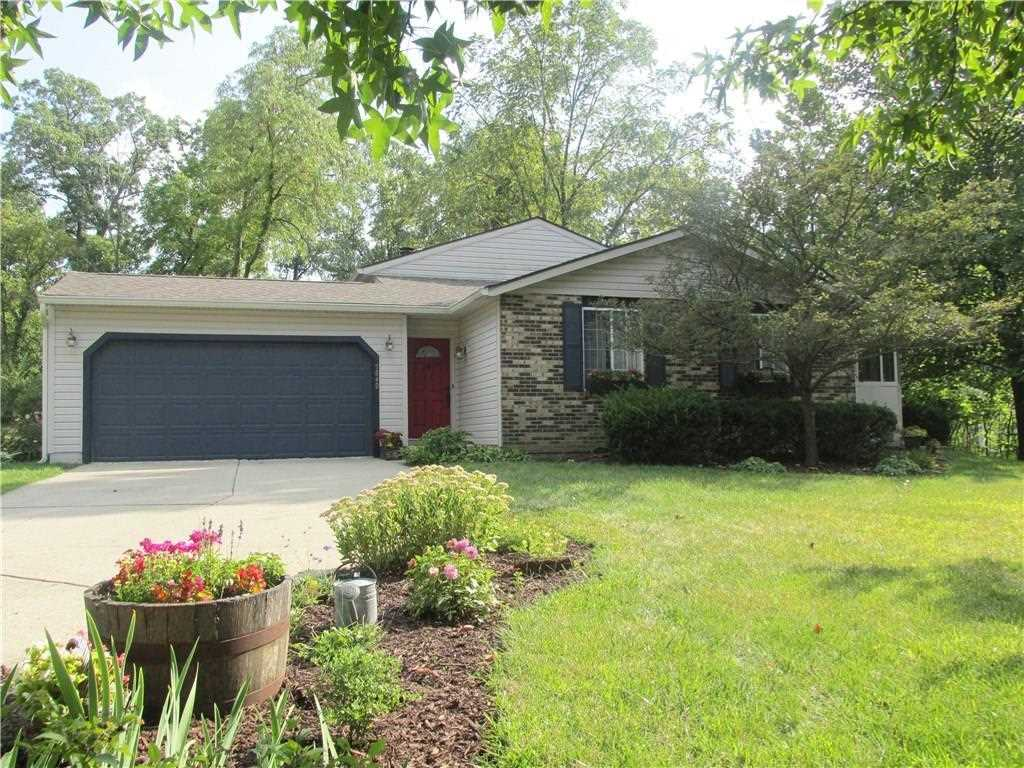 5849 Baron Court Indianapolis, IN 46250 | MLS 21510171 Photo 1
