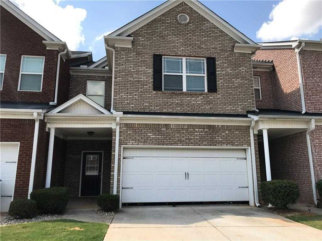 Great All Brick Town Home In A Quiet Community Near Downtown