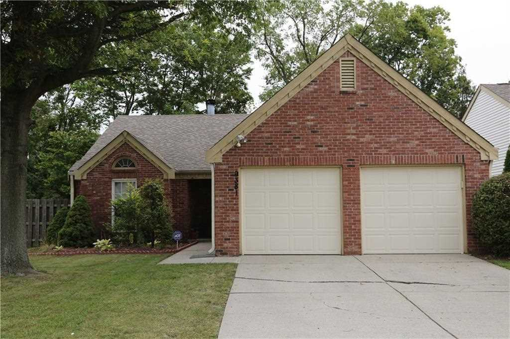 9381 Colony Point East Drive Indianapolis, IN 46250 | MLS 21509671 Photo 1