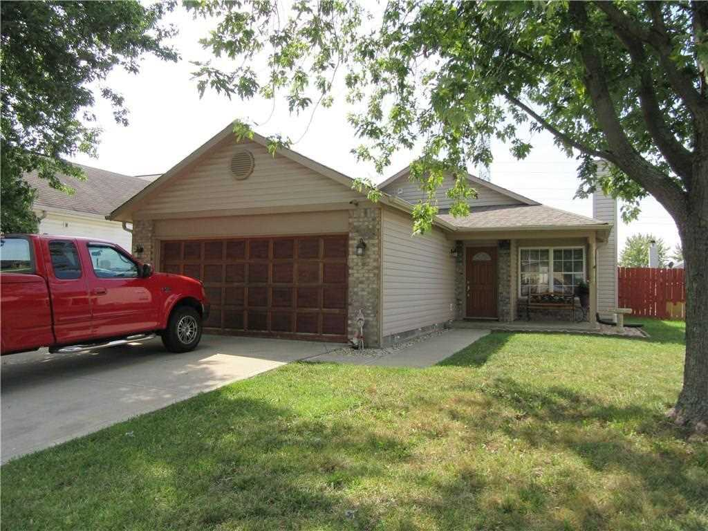 2810 Braxton Drive Indianapolis, IN 46229 | MLS 21511007 Photo 1