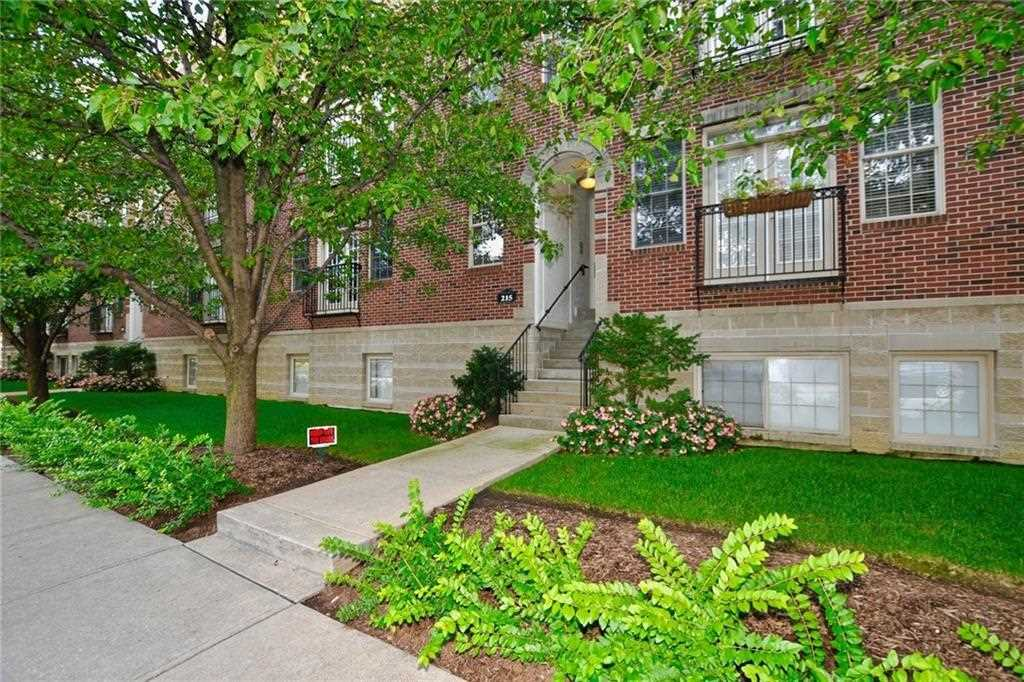 215 N New Jersey Street #E Indianapolis, IN 46204 | MLS 21511638 Photo 1