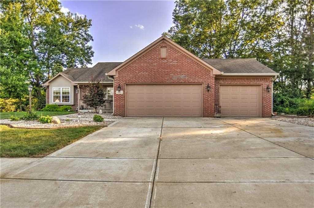 6331 Thornridge Drive Avon, IN 46123 | MLS 21511611 Photo 1