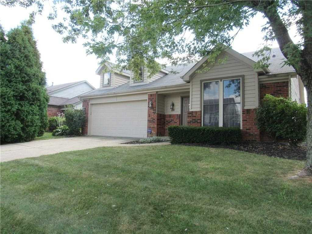 8537 Rock Hollow Circle Indianapolis, IN 46256 | MLS 21509303 Photo 1