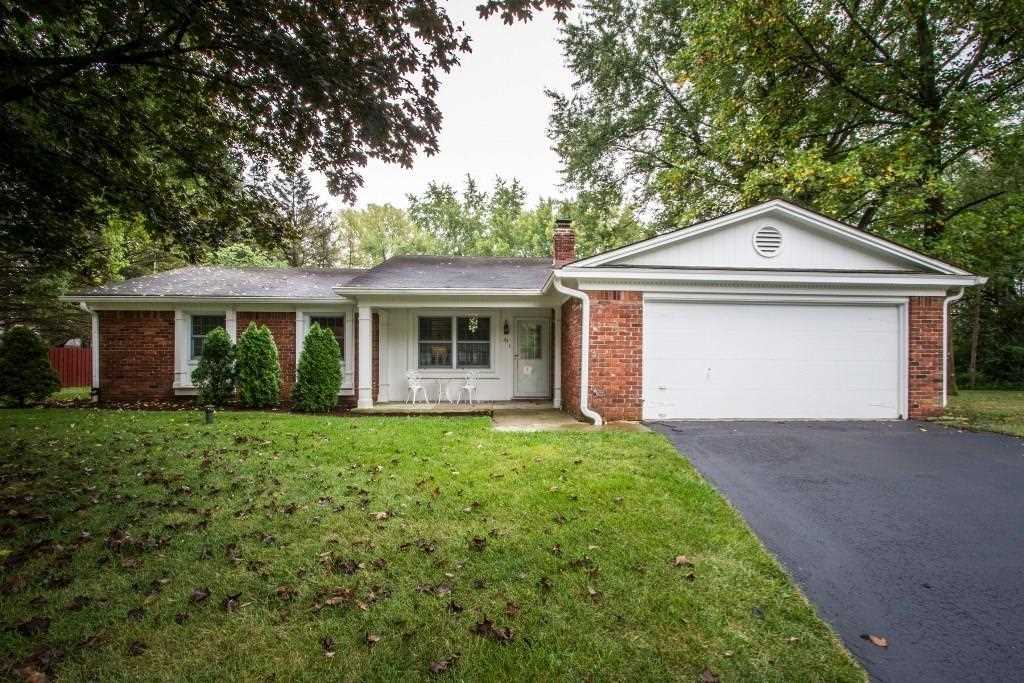 43 Manchester Court Carmel, IN 46032 | MLS 21513402 Photo 1