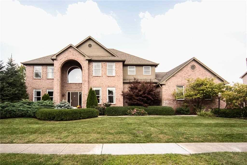 7540 Timberfield Lane Indianapolis, IN 46259 | MLS 21493710 Photo 1