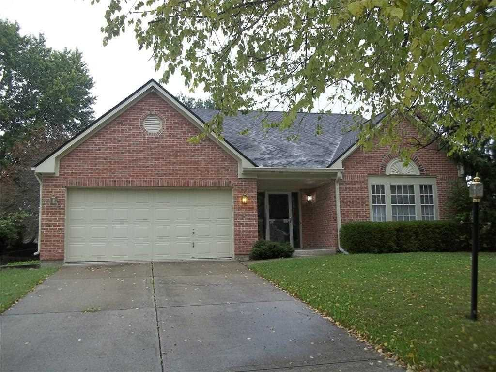 7670 Baywood Drive S Indianapolis, IN 46236 | MLS 21518887 Photo 1
