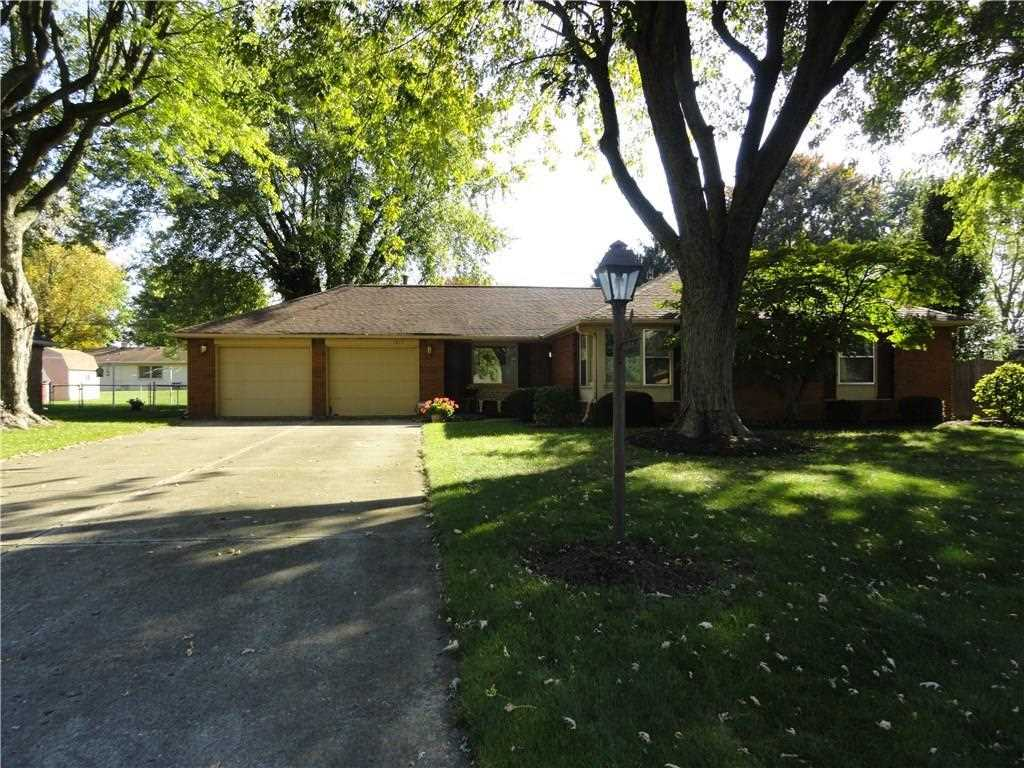 1817 E 44Th Street Anderson, IN 46013 | MLS 21520044 Photo 1