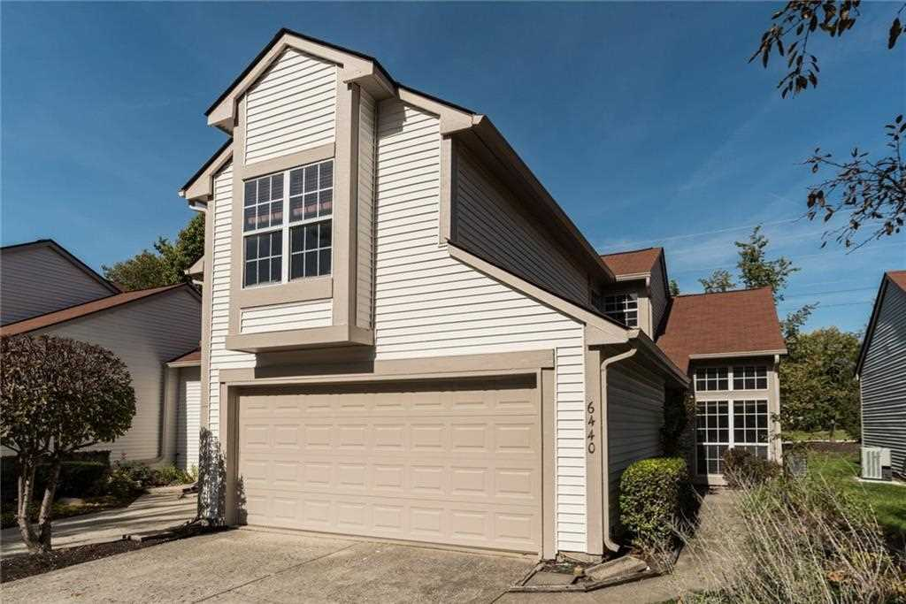 6440 bayside north drive indianapolis in 46250 mls 21519195 for Bayside garage doors