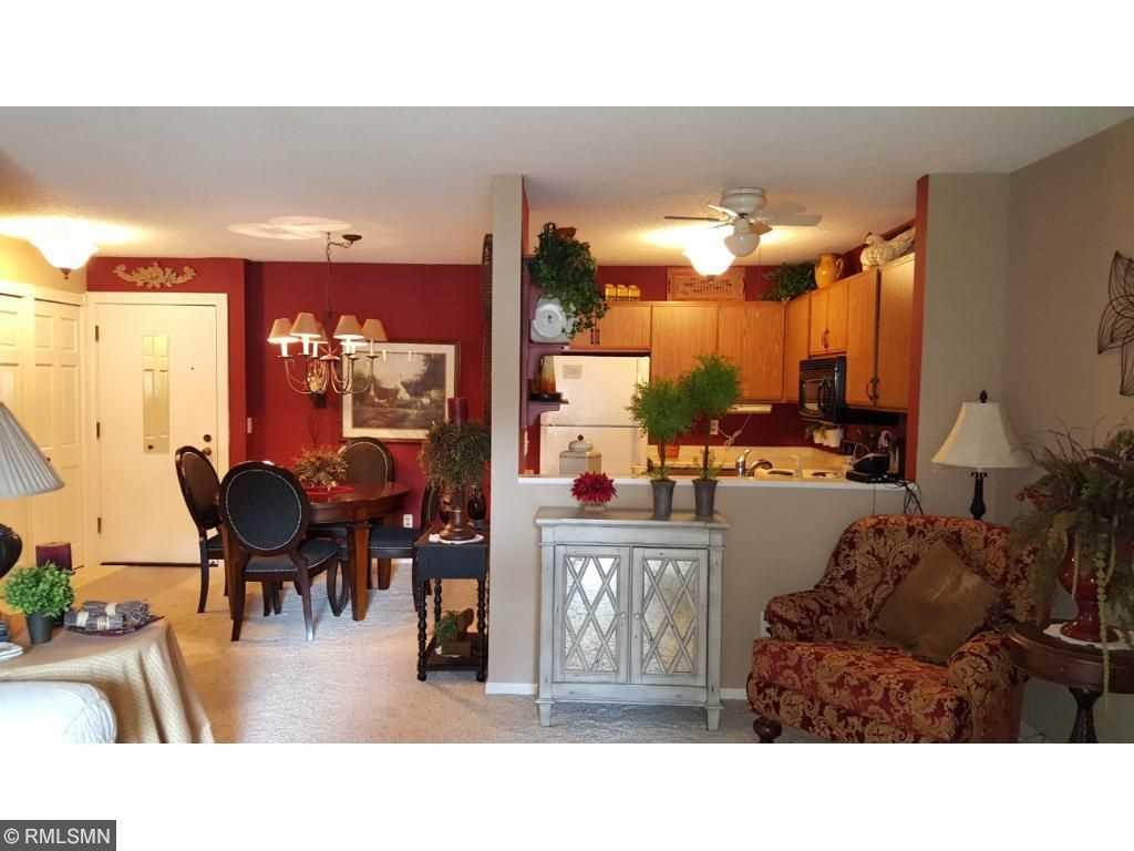Pennock Place Condominiums Apple Valley | Dakota County | MLS 4868308 |  7675 142nd Street W
