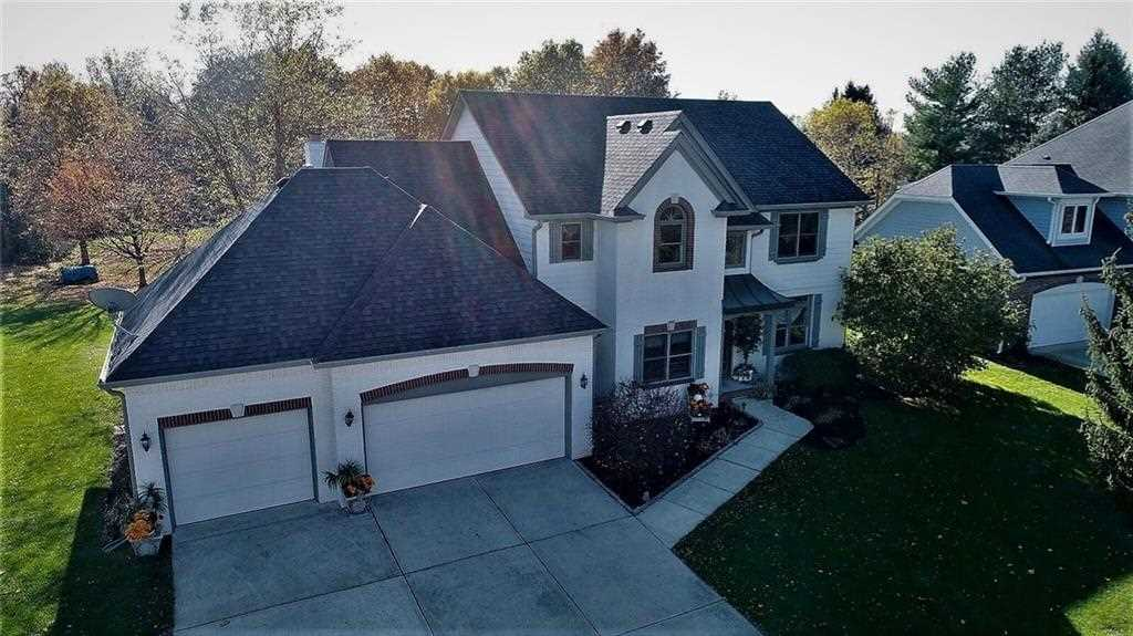 12441 Old Stone Drive Indianapolis, IN 46236 | MLS 21514700 Photo 1