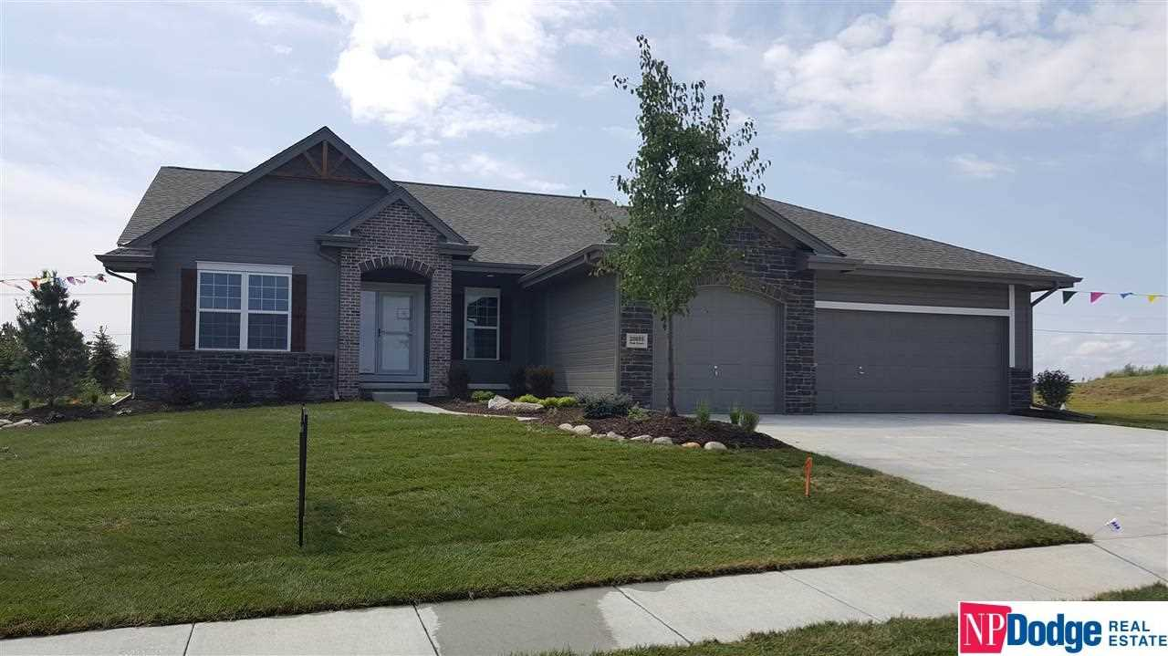 20055 Polk Omaha, NE 68135 | MLS 21720486 Photo 1
