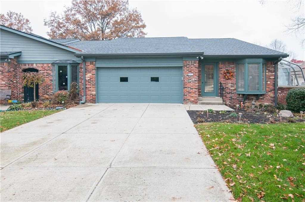 8424 Swans Way Indianapolis, IN 46260 | MLS 21522666 Photo 1