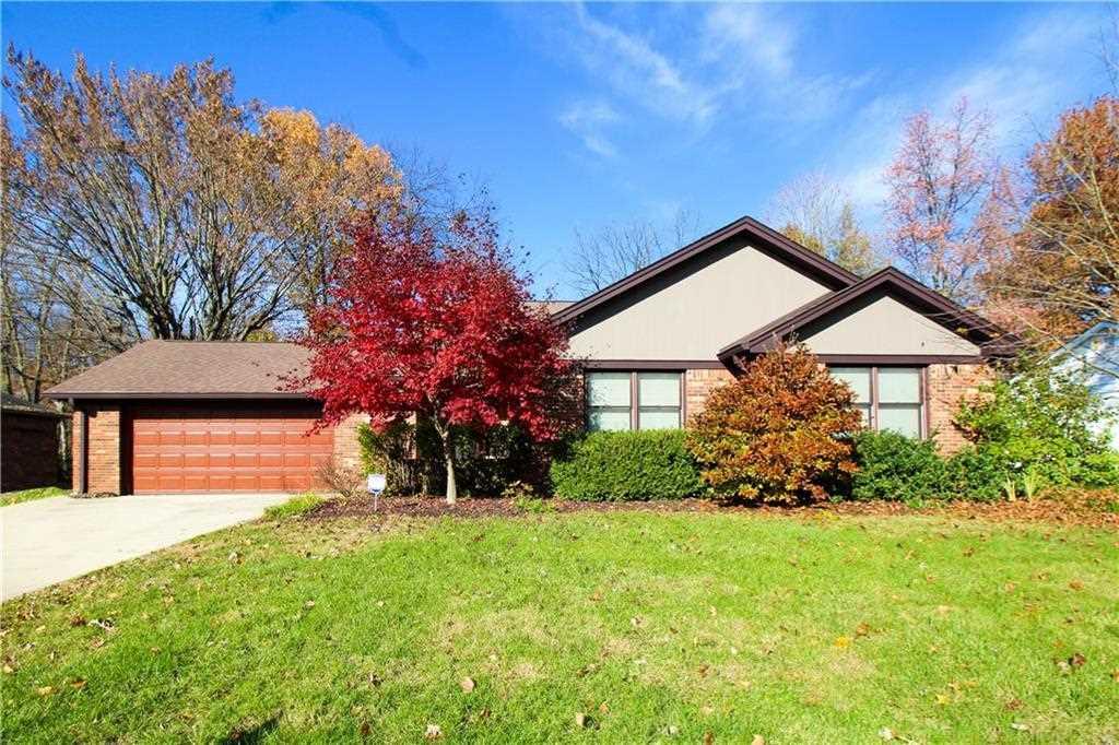 8520 Chapel Glen Drive Indianapolis, IN 46234 | MLS 21524809 Photo 1