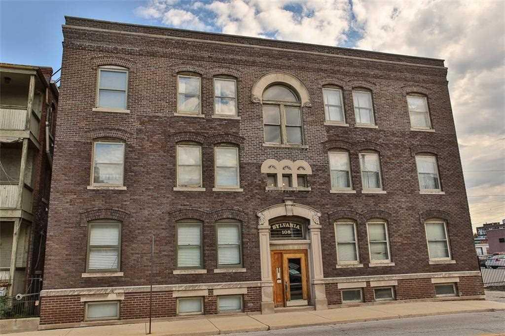 108 E Saint Clair Street #E Indianapolis, IN 46204 | MLS 21525557 Photo 1