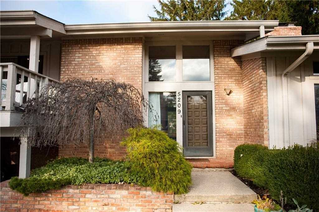 5209 Brief Run Indianapolis, IN 46226 | MLS 21525977 Photo 1