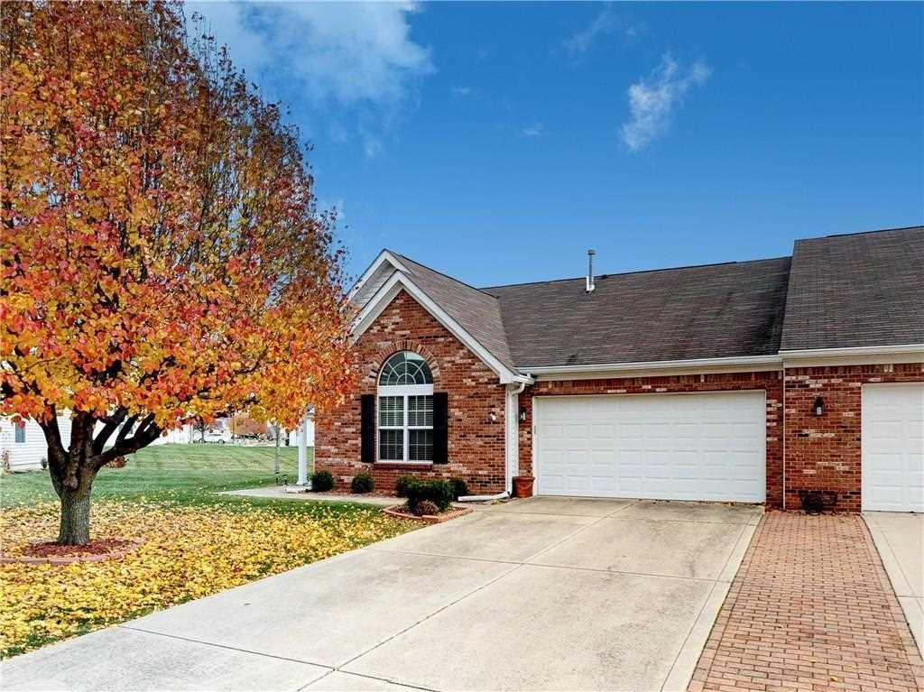 1559 Hamilton Drive Greenwood, IN 46143 | MLS 21527278 Photo 1