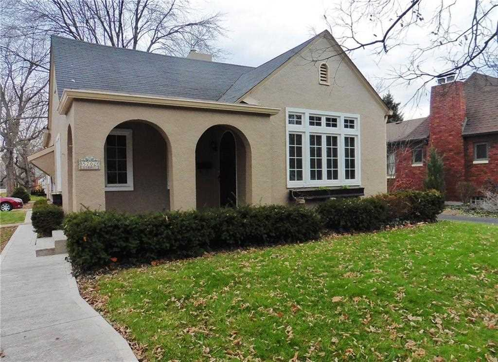 5702 N College Avenue Indianapolis, IN 46220 | MLS 21524465 Photo 1