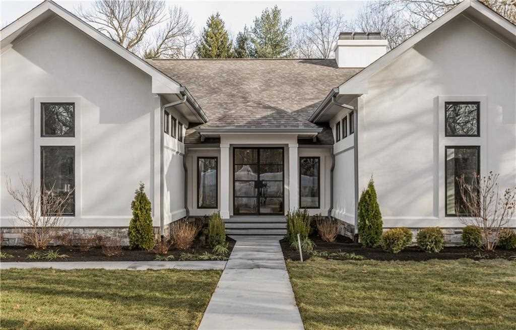 8333 N Illinois Street Indianapolis, IN 46260 | MLS 21528816 Photo 1